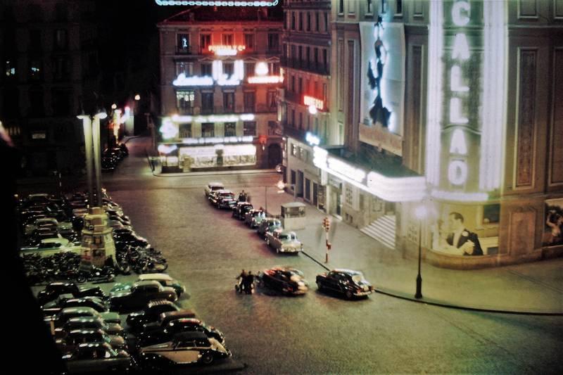 auto, KFZ, Kino, Madrid, Nachtaufnahme, PKW, reklametafel, Spanien