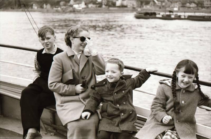 ausflug, deck, familie, Flechtzopf, fluss, Kindheit, lachen, sonnenbrille