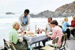 Ein Tisch am Meer