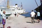 Vor dem Schiff