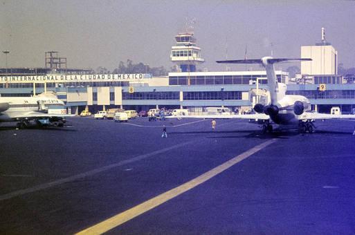 Auf dem Flugplatz