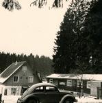 Im Schnee geparkt