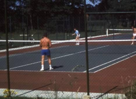 Auf dem Tennisplatz