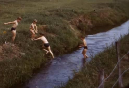 Sprung in den Kanal