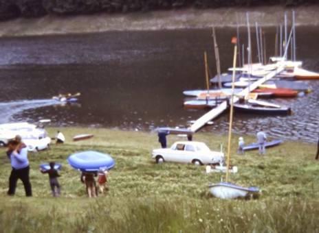 Kajak und Schlauchboot