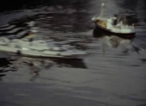 Modellwagen und -Schiffe