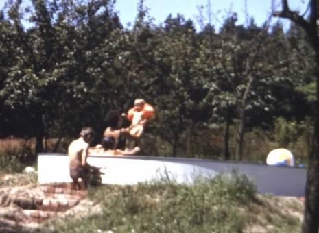 Schwimmflügel im Pool