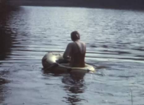 Gummiboot und Floß