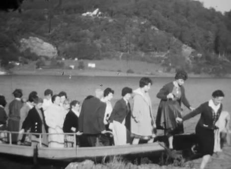 Ankunft mit Booten