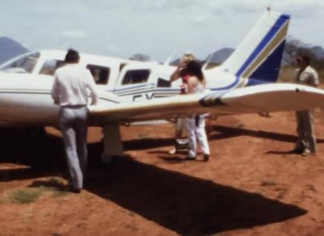 Im Flugzeug über Kenia