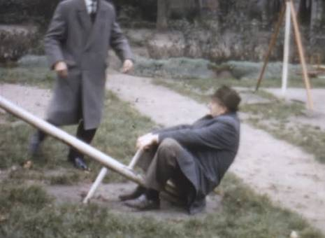 Männer auf der Wippe