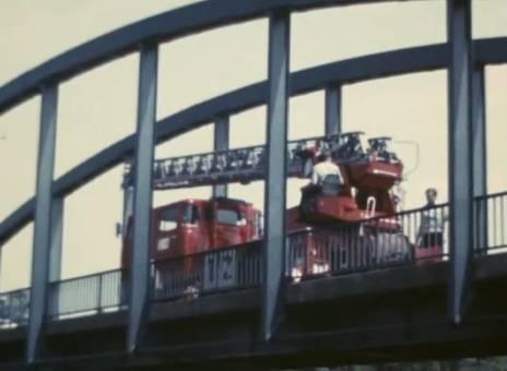 Der Sessel auf der Brücke
