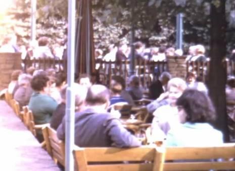 Straßenmusik im Café