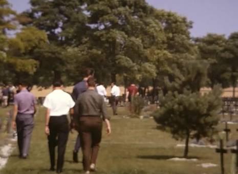 Besuch eines Soldatenfriedhofs