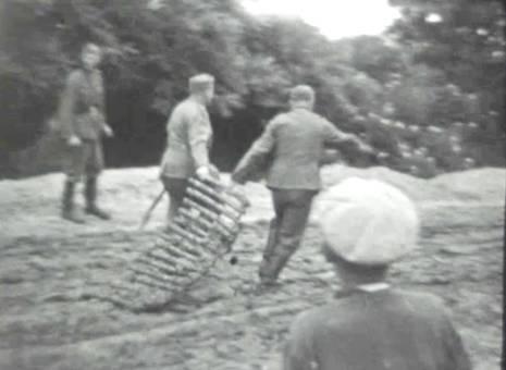 Soldaten im Matsch