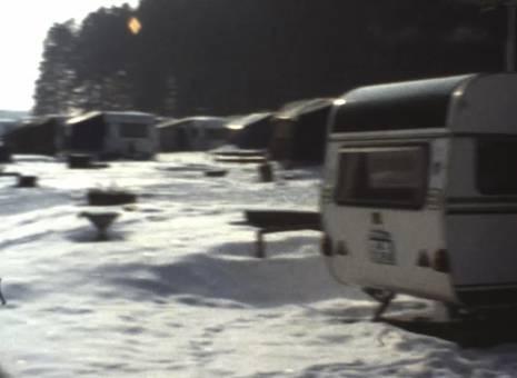 Campingplatz im Schnee