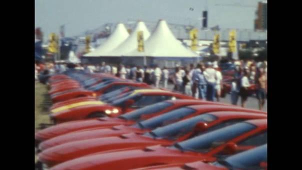 Traum vom roten Ferrari