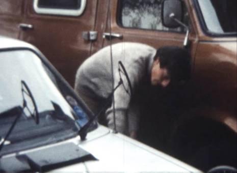 Auto in der Grube